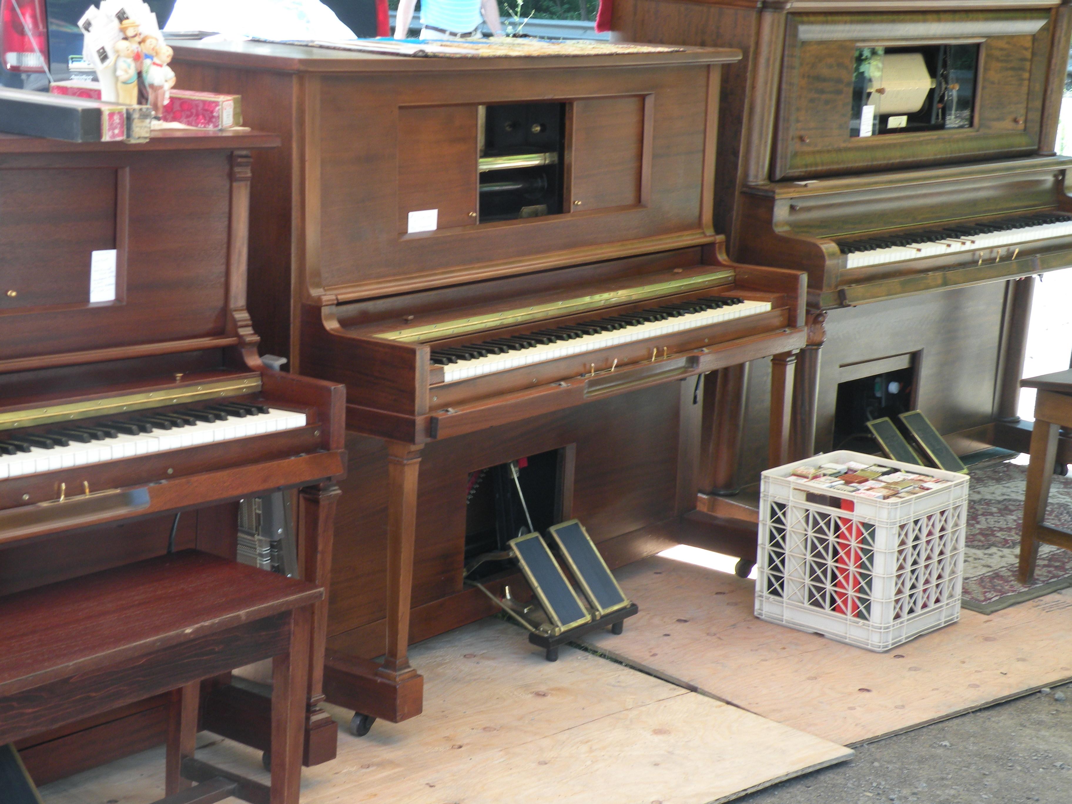 piano-flea-market