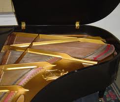 baby grand pianos