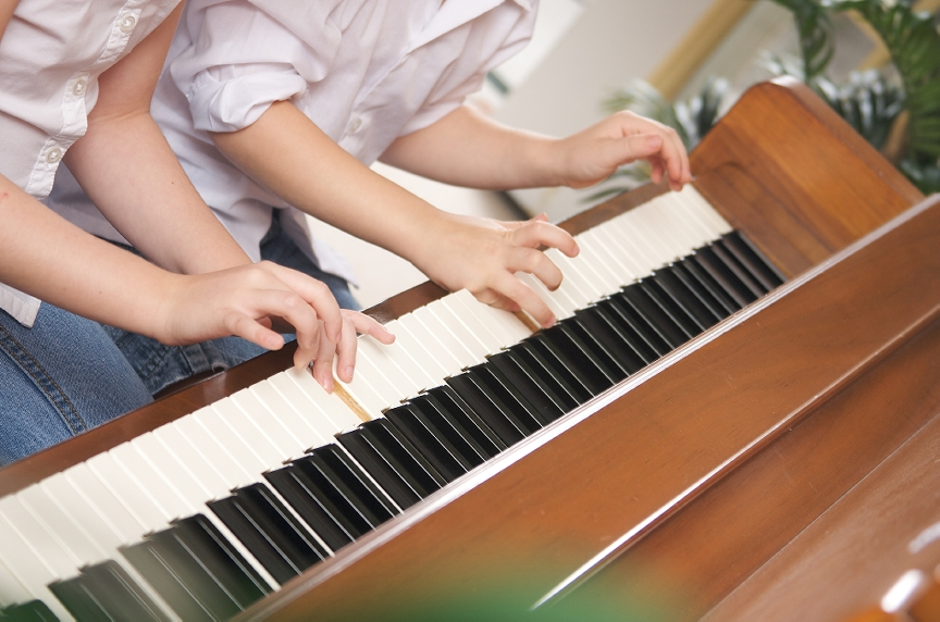 child-piano-lessons